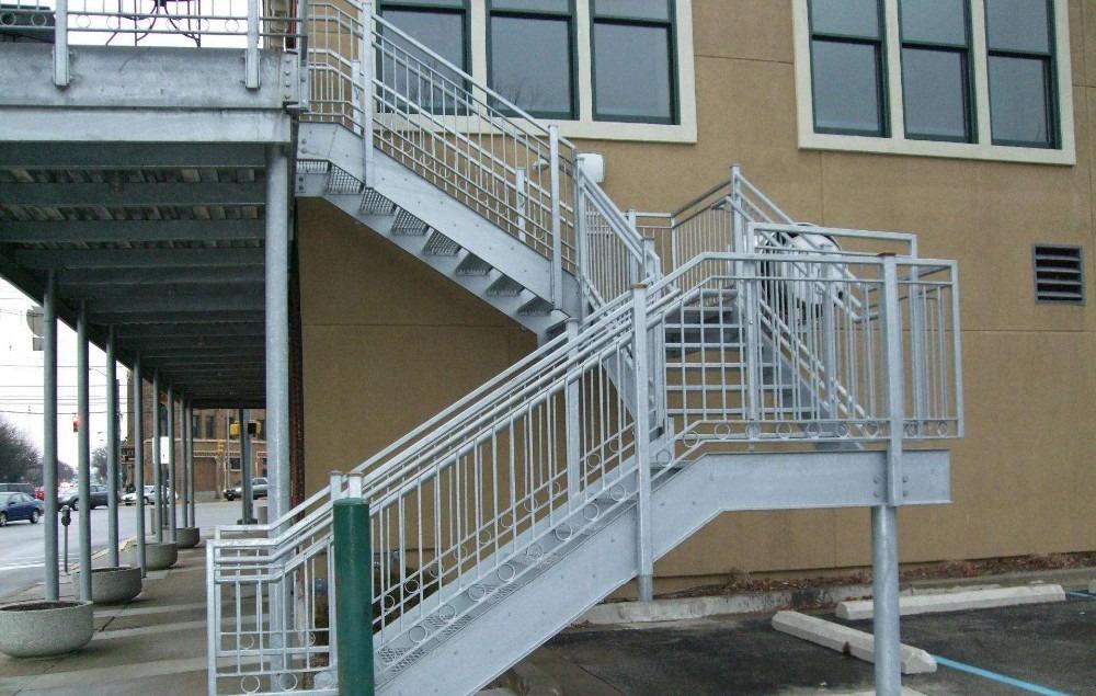 Tiêu chuẩn thiết kế thang thoát hiểm